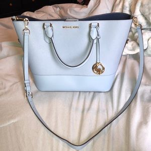 Michael Kors Trista Large Bucket bag pale blue